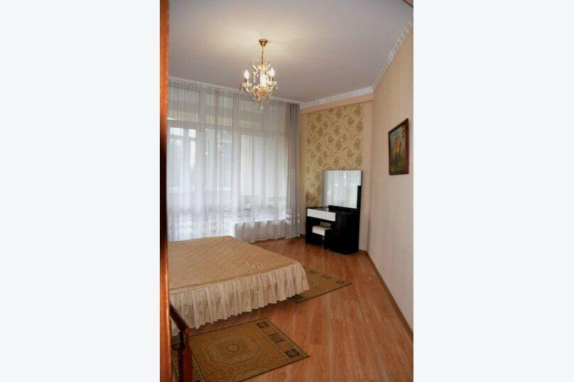 2-комн. квартира, 70 кв.м. на 4 человека, улица Володарского, 11, Ялта - Фотография 5