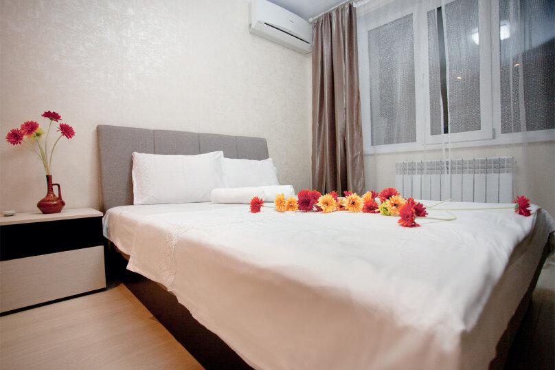 1-комн. квартира, 40 кв.м. на 4 человека, улица Сакко и Ванцетти, 59, Саратов - Фотография 4