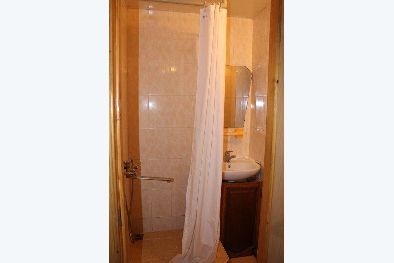 Трнхкомнатный номер, 40 кв.м. на 8 человек, 1 спальня, Береговая улица, 6, Алушта - Фотография 3