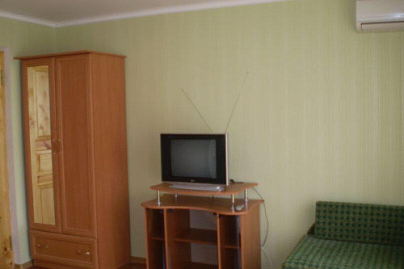 Этаж: сдается целиком (три номера - второй этаж) на 6 человек, Гагарина, 48, Судак - Фотография 6