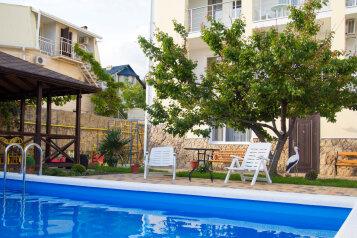 Гостевой дом, улица Кипарисовая на 10 номеров - Фотография 1
