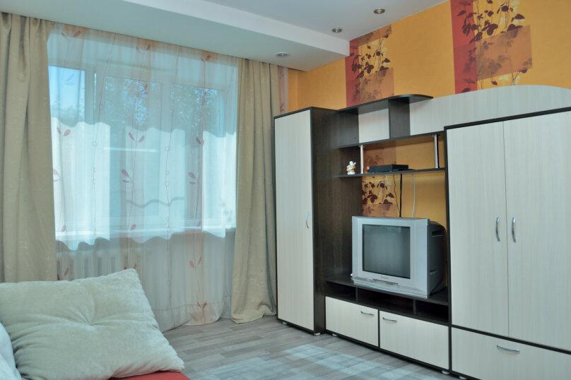 4-комн. квартира, 65 кв.м. на 8 человек, улица Ватутина, 65, Новосибирск - Фотография 5