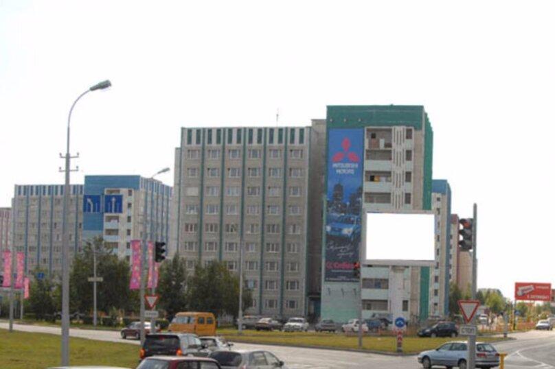 2-комн. квартира, 50 кв.м. на 7 человек, проспект Ленина, 55, Сургут - Фотография 2