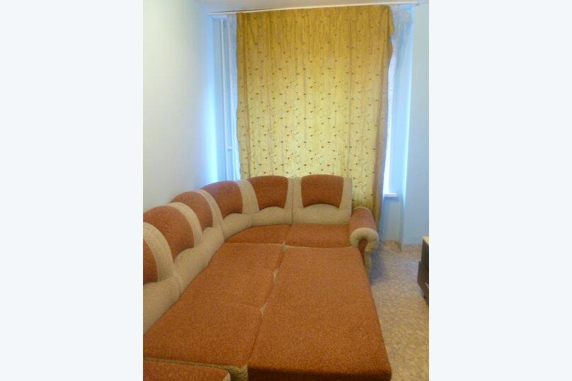 3-комн. квартира, 80 кв.м. на 6 человек, улица Водопьянова, 15, Красноярск - Фотография 10