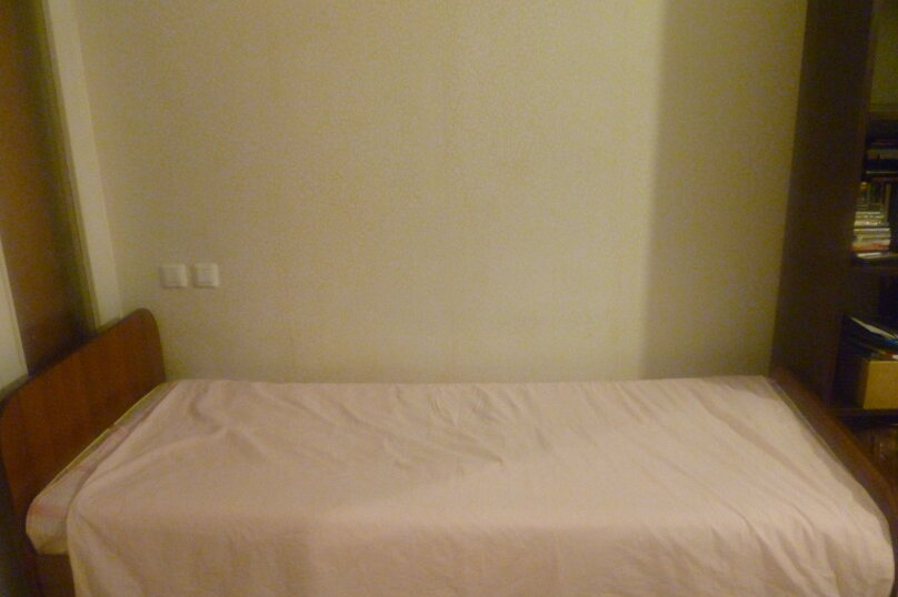 3-комн. квартира, 80 кв.м. на 6 человек, улица Водопьянова, 15, Красноярск - Фотография 12