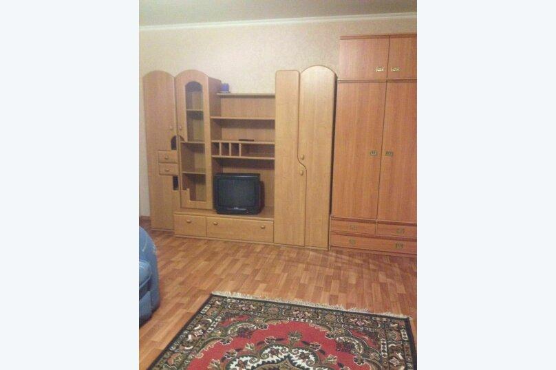 1-комн. квартира, 40 кв.м. на 6 человек, улица Адоратского, 36В, Казань - Фотография 3