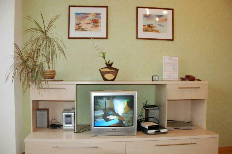 2-комн. квартира, 63 кв.м. на 4 человека, 20К-28-0, , Воронеж - Фотография 3