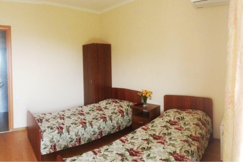 Однокомнатный, 2-местный с двумя односпальными кроватями или одной двухспальной кроватью  (11 номеров), улица Аланская, 34, Сухум - Фотография 5