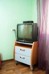 1-комн. квартира, 33 кв.м. на 3 человека, улица Молокова, 27, Красноярск - Фотография 2