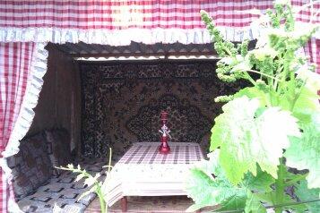 Дом с 2-мя спальнями, 80 кв.м. на 6 человек, 2 спальни, улица Художников, 4, Судак - Фотография 3