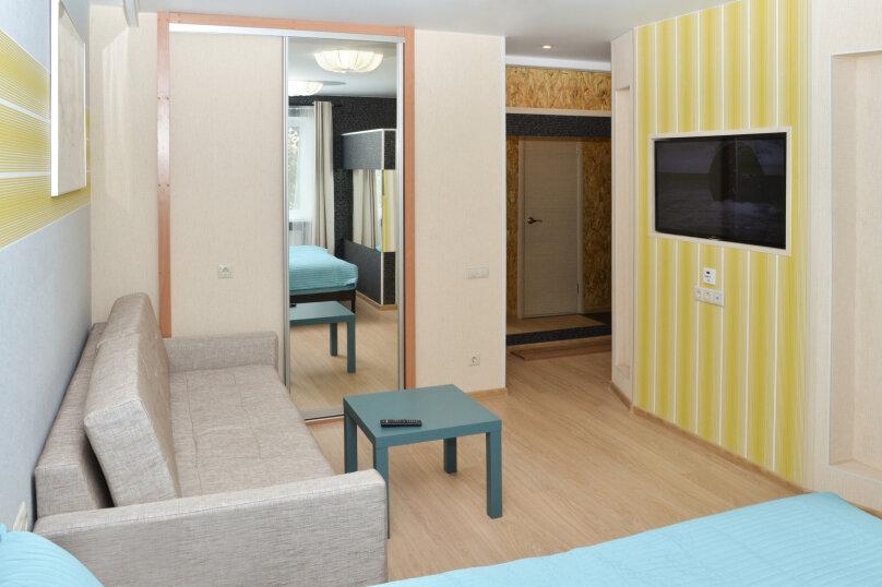 1-комн. квартира, 40 кв.м. на 4 человека, улица Елизаровых, 43, Томск - Фотография 1
