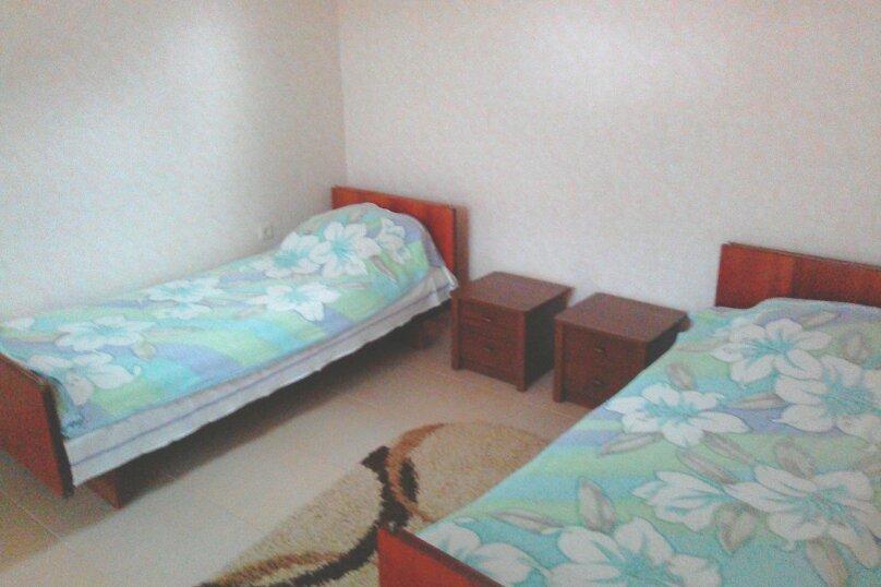 Дом, 30 кв.м. на 4 человека, 2 спальни, улица мартынова, 35, Морское - Фотография 4