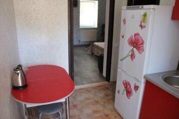 Сдам в Евпатории однокомнатный домик до моря 5 минут., 35 кв.м. на 4 человека, 1 спальня, Интернациональная улица, Евпатория - Фотография 2