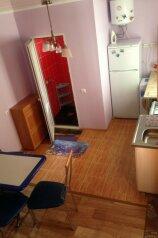 Дом под ключ 34м , 2 этажа, до 7 человек , с большим двором, 34 кв.м. на 7 человек, 2 спальни, улица Ивана Голубца, 66, Центр, Анапа - Фотография 2