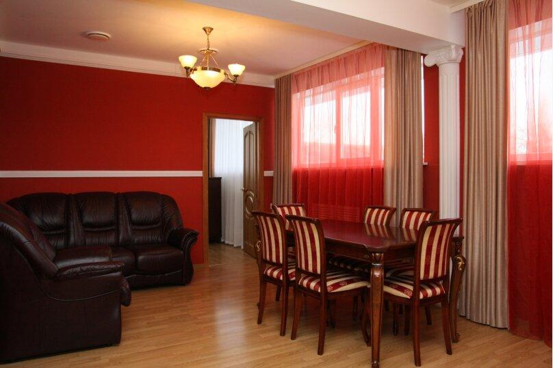 Фитнес-отель Петровский, Моисеева, 9а на 16 номеров - Фотография 2
