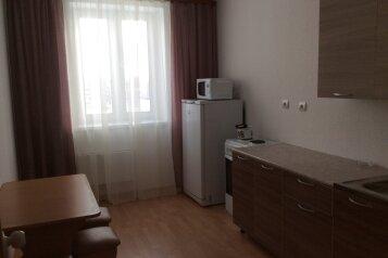 2-комн. квартира, 51 кв.м. на 6 человек, Каменская улица, 101А, Каменск-Уральский - Фотография 1