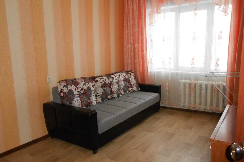 3-комн. квартира, 62 кв.м. на 7 человек, Олимпийская, 69, Кировск - Фотография 1