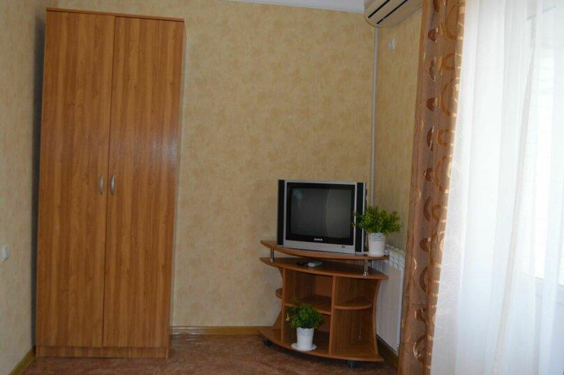 """Гостевой дом """"У моря"""", Азовский переулок, 17 на 15 комнат - Фотография 10"""