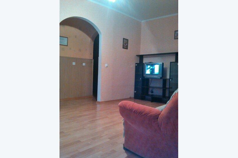 3-комн. квартира, 61 кв.м. на 7 человек, улица Островского, 19В, Белгород - Фотография 2