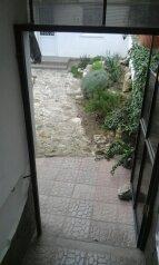 Сдам отдельный двух-комнатный дом, 45 кв.м. на 5 человек, 2 спальни, улица Сладкова, Севастополь - Фотография 4