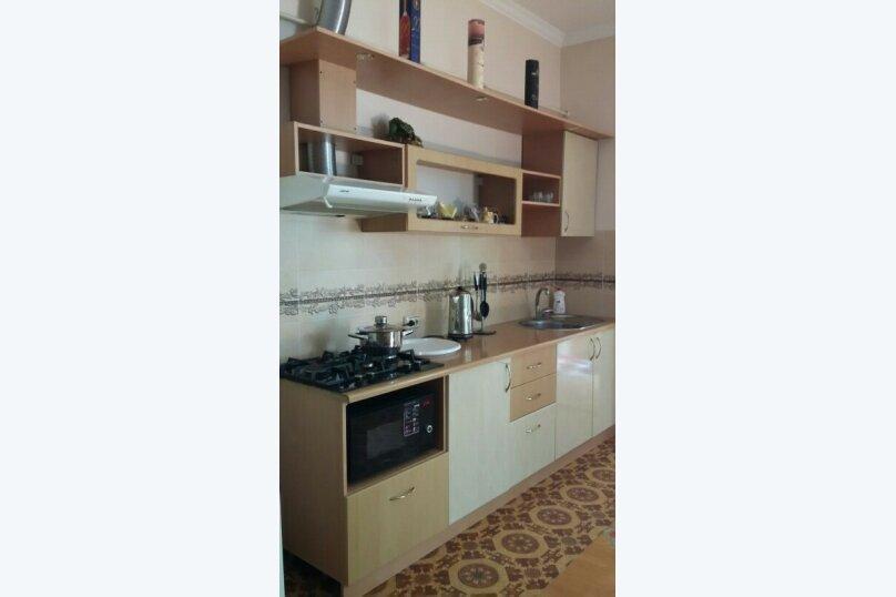 Квартира в частном секторе центра., 54 кв.м. на 6 человек, 1 спальня, ул. Крылова , 19, Симферополь - Фотография 2