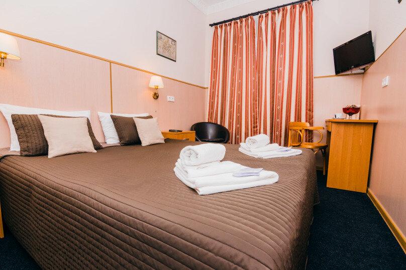 Отдельная комната, 1-я линия Васильевского острова, 16, Санкт-Петербург - Фотография 1