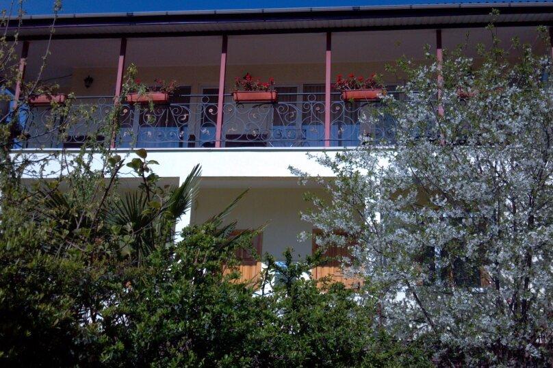 3 й этаж с открытой террасой при входе, улица Спендиарова, 9Е, Ялта - Фотография 1