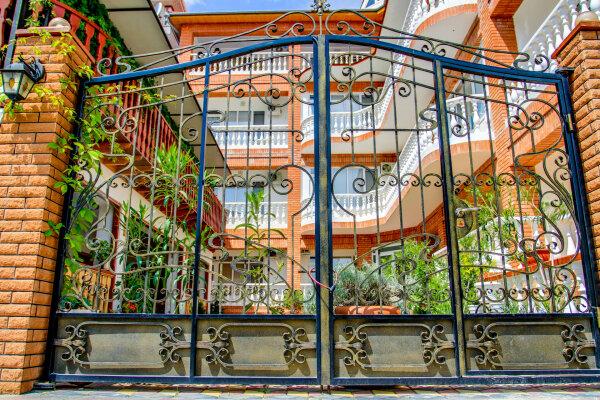 Мини-отель, улица Академика Сахарова, 29 на 23 номера - Фотография 1