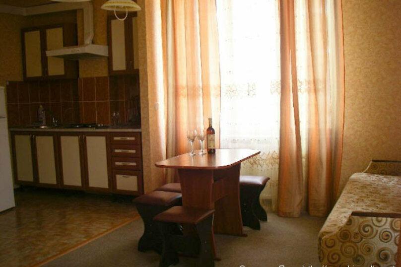 """Гостевой дом """"Над морем"""", Адаманова, 36 на 11 комнат - Фотография 40"""
