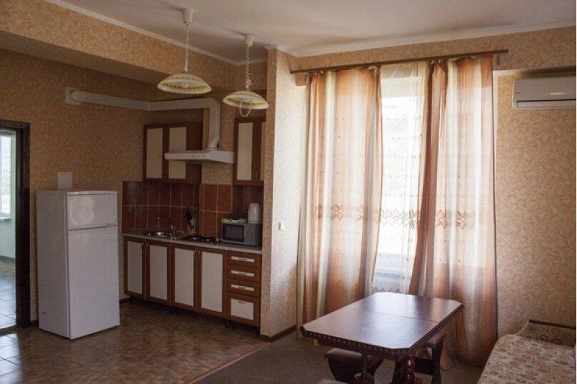 """Гостевой дом """"Над морем"""", Адаманова, 36 на 11 комнат - Фотография 43"""