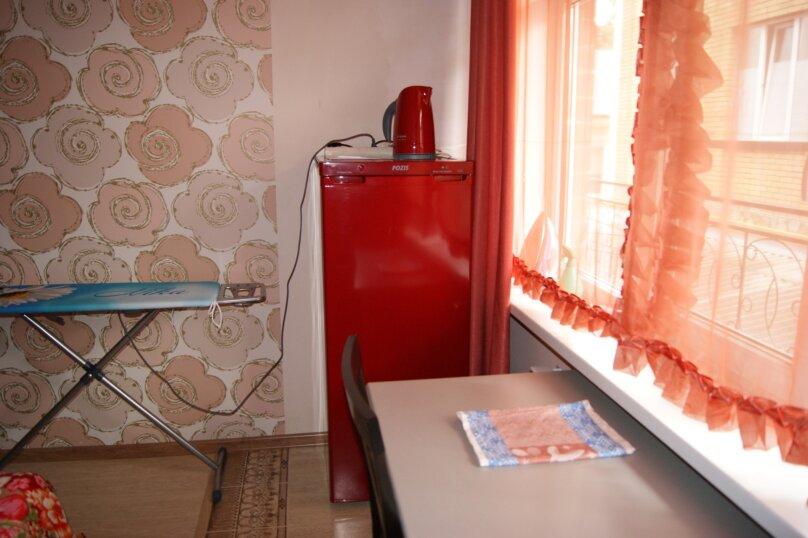 Номер Комфорт с ванной, этаж 2, Севастопольская улица, 28, Геленджик - Фотография 1