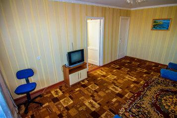 2-комн. квартира, 40 кв.м. на 4 человека, улица Кирова, Черноморское - Фотография 2