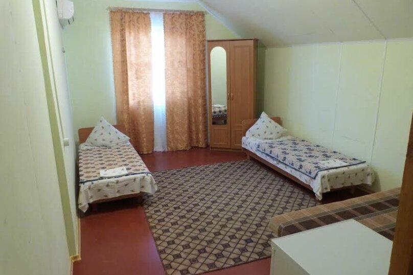 Третий этаж в доме, Гаспринского, 22 на 1 номер - Фотография 1
