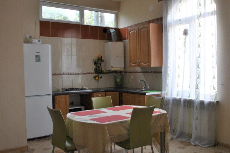 2-комн. квартира, 60 кв.м. на 5 человек, Боткинская, 3, Ялта - Фотография 2