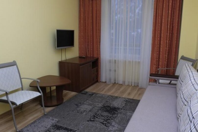 Эконом 2-х комнатный, улица Голицына, 7, Судак - Фотография 1