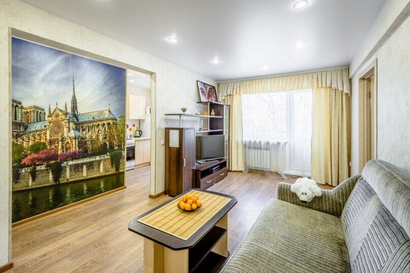 2-комн. квартира, 57 кв.м. на 4 человека, Байкальская улица, 192, Иркутск - Фотография 1