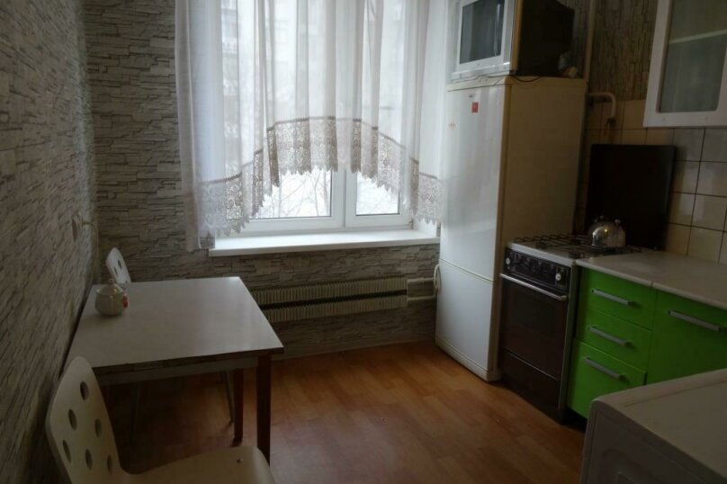 1-комн. квартира, 41 кв.м. на 4 человека, улица Маршала Вершинина, 4к2, Москва - Фотография 2