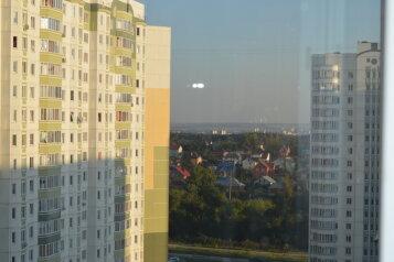 1-комн. квартира, 35 кв.м. на 4 человека, проспект Вячеслава Клыкова, 73, Курск - Фотография 3