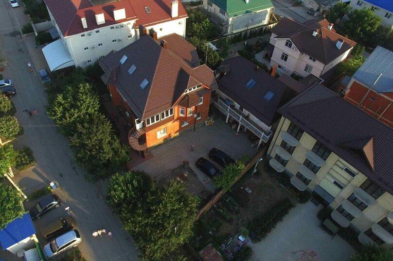 """Гостевой дом """"Глориэс"""", улица Святого Георгия, 20 на 18 комнат - Фотография 1"""