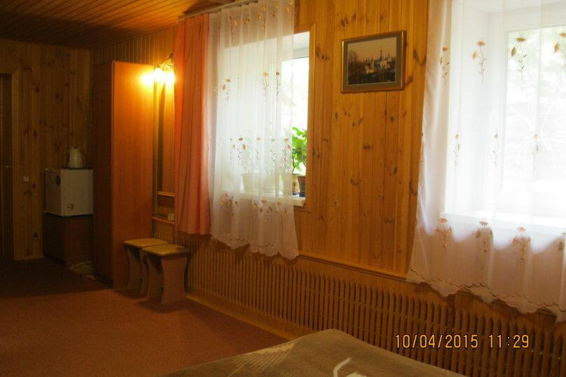 """Гостевой дом """"На Теремках 24"""", улица Теремки, 24 на 3 комнаты - Фотография 11"""