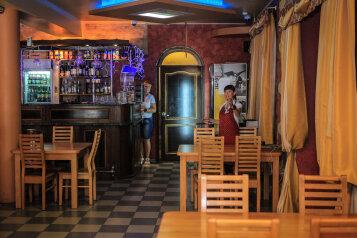 Гостиница, Приречная улица на 19 номеров - Фотография 2