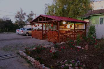 Гостевой дом, 70 кв.м. на 12 человек, 6 спален, ул. Керченское шоссе, Феодосия - Фотография 3