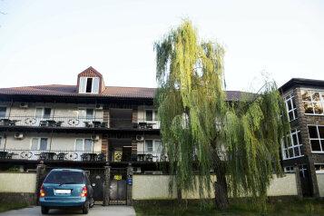 """Отель """"Коралл"""", Енисейская улица, 336 на 25 номеров - Фотография 1"""