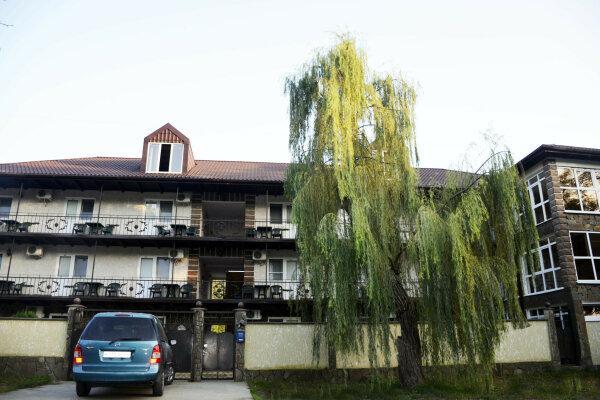 Отель, Енисейская улица, 336 на 25 номеров - Фотография 1
