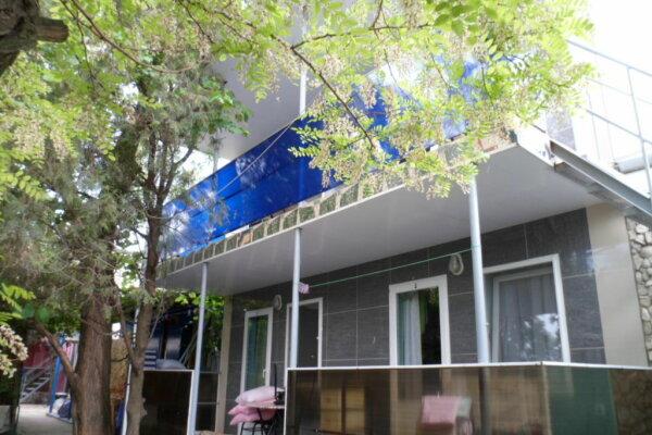 Частный пансионат, улица Шершнёва, 5 на 4 номера - Фотография 1