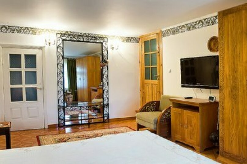 Вилла, 200 кв.м. на 8 человек, 4 спальни, улица Геологов, 2, Гурзуф - Фотография 10