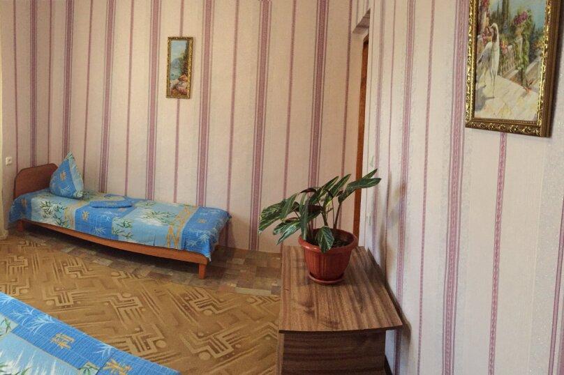 Четырехкомнатный Коттедж  на 6 -8 чел. 3 изол.спальни и кухня- столовая., 64 кв.м. на 8 человек, 3 спальни, Мартынова с. Морское, 31, Морское - Фотография 17