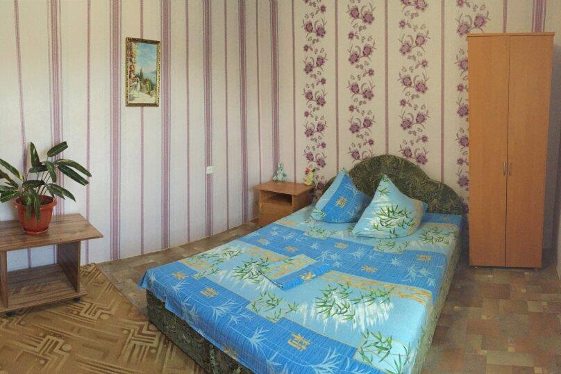 Четырехкомнатный Коттедж  на 6 -8 чел. 3 изол.спальни и кухня- столовая., 64 кв.м. на 8 человек, 3 спальни, Мартынова с. Морское, 31, Морское - Фотография 18