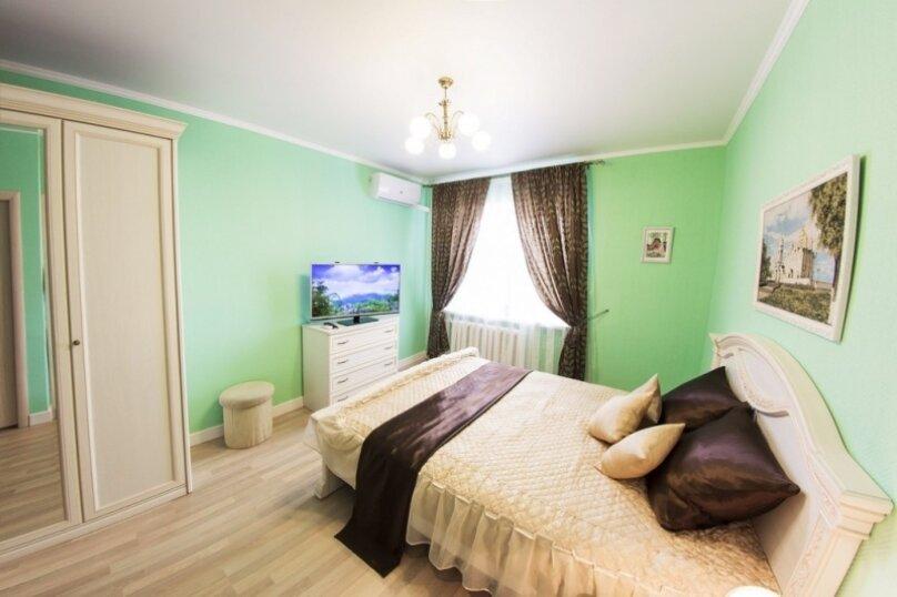 1-комн. квартира, 38 кв.м. на 2 человека, улица Халтурина, 26, Иркутск - Фотография 1