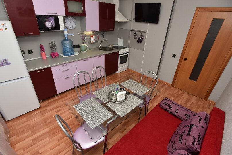 1-комн. квартира, 52 кв.м. на 5 человек, улица Шейнкмана, 90, Екатеринбург - Фотография 20
